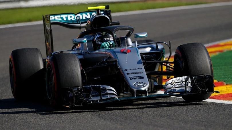 Belgio, pole Rosberg al suo fianco Verstappen