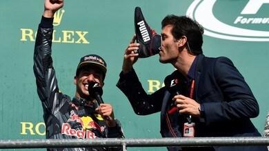 F1 Spa, Webber celebra il podio di Ricciardo bevendo dalla scarpa