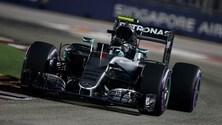 F1 Singapore: pole record a Rosberg, Vettel ultimo!