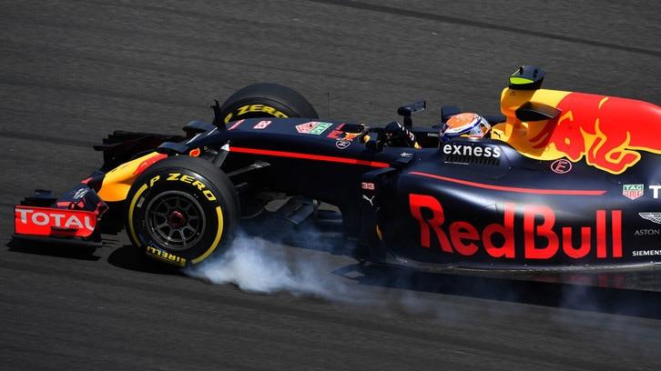 Formula 1 Malesia: Red Bull fra compleanni e ricerca del grip