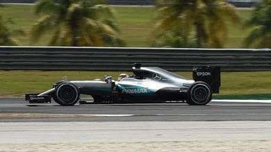 Formula 1 Malesia: Hamilton di nuovo 1° nelle libere 3, su Verstappen