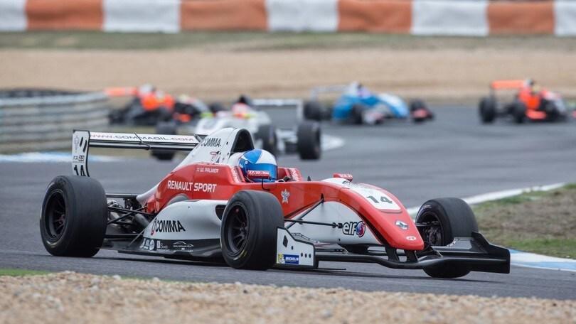 Eurcup Renault, a Estoril vincePalmer all'ultimo giro