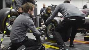 """Formula 1, il primo pit stop Mercedes coi """"gommoni"""""""