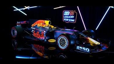 """Red Bull RB13: solo un """"buco sul muso"""""""