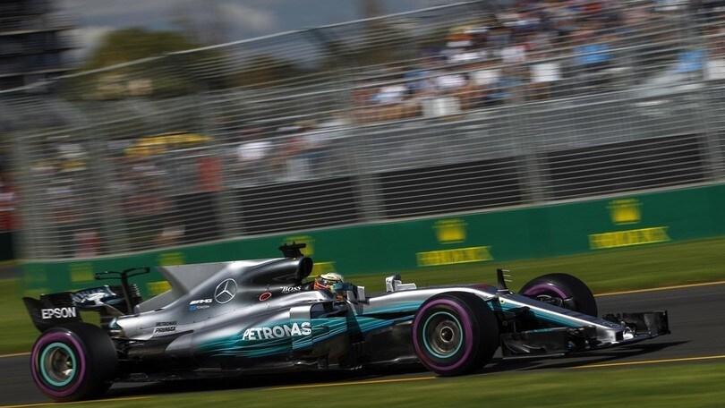 F1 Australia, Hamilton come un tuono in qualifica: foto