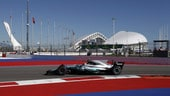 Formula 1 Russia, Bottas cambia sistema e precede Hamilton