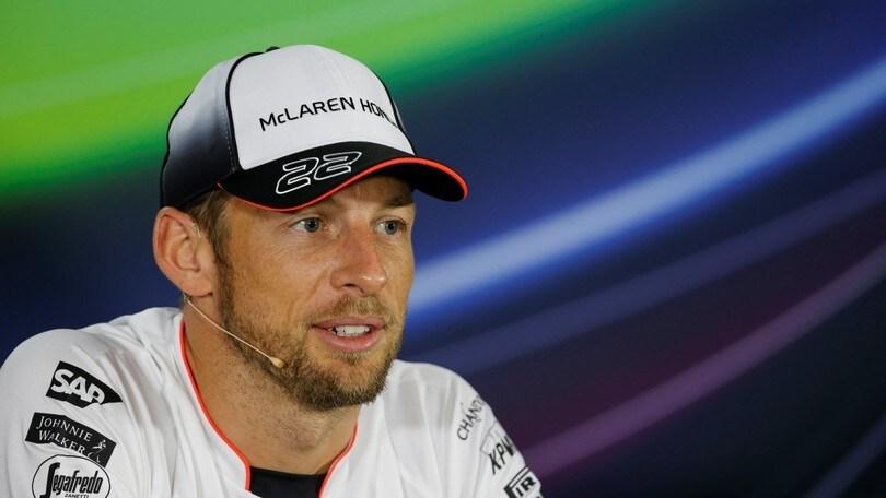 Button torna in pista,sorpreso da Alonso