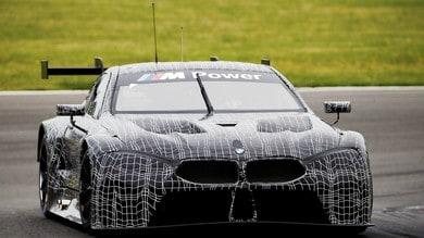 BMW M8 GTE si vela nel primo test in pista