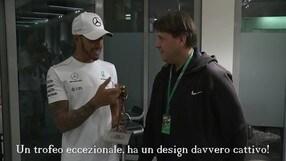 Caschi d'Oro 2017, Hamilton ritira il premio ad Abu Dhabi