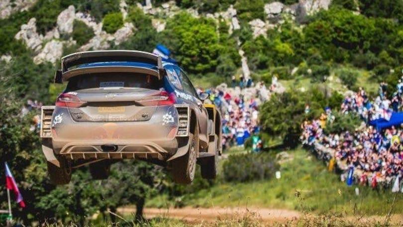 WRC, Ogier sempre leader in Sardegna