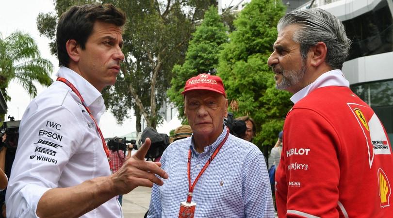 F1, contatto Raikkonen-Hamilton a Silverstone: Nico Rosberg interviene per difendere il finlandese