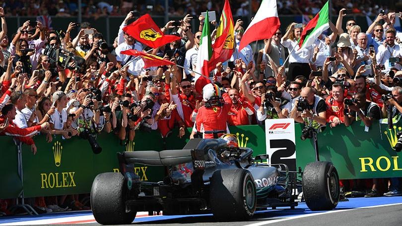 Ufficiale: Lewis Hamilton rinnova fino al 2020 con la Mercedes