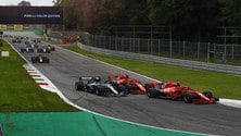 Formula 1 Monza, il contatto tra Hamilton e Vettel: foto