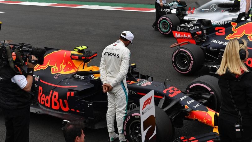 Verstappen vince in Messico ma Hamilton è campione del mondo