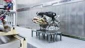 Aston Martin Valkyrie, il sound del V12: video