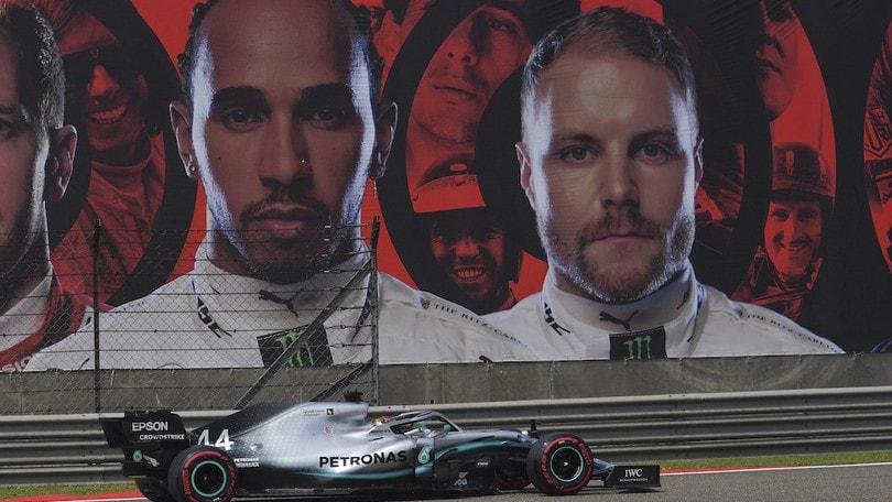 Gp Cina, nuovo trionfo per Hamilton