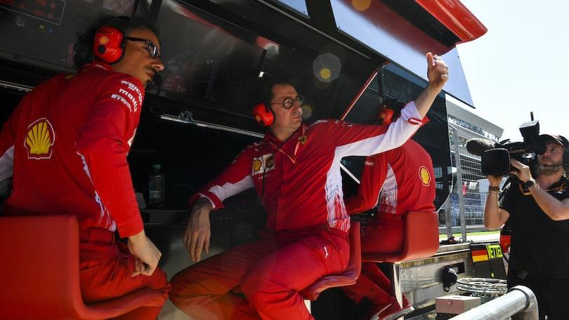 Leclerc scatenato: