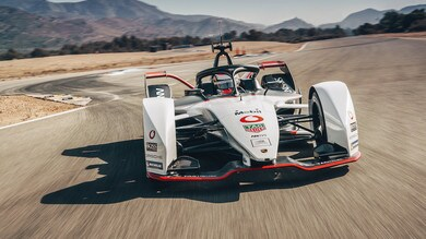 Formula E, Porsche svela la livrea della 99X