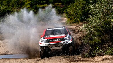 Dakar 2020: Alonso test con Toyota tra fango e sabbia