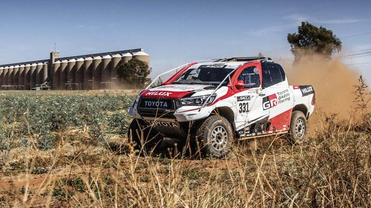 Dakar 2020, Alonso allenamento tra le dune con Al-Attiyah