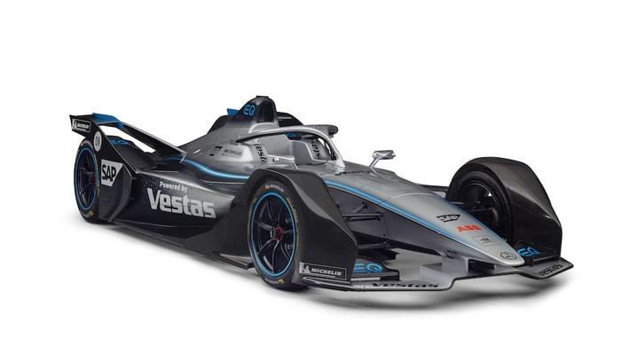 Formula E, Mercedes svela la livrea e presenta i piloti