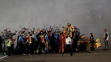 NASCAR: Kyle Busch campione a Homestead tra i disastri ai box