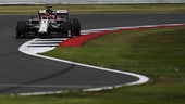 """Gp 70° Anniversario, l'Alfa Romeo affonda in qualifica e Kimi sbotta: """"Solita m***a"""""""