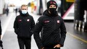 Mercato piloti, Grosjean e Magnussen lasciano Haas: è ufficiale