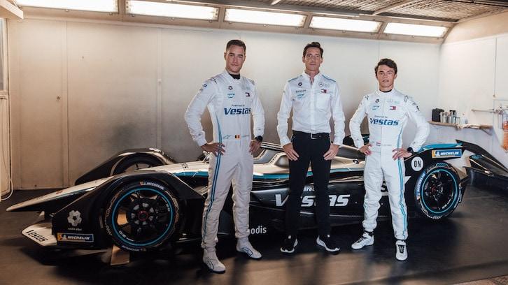 Formula E, Mercedes conferma i piloti e sviluppa il powetrain