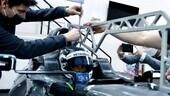 Mercedes W12, prima novità aspettando la presentazione