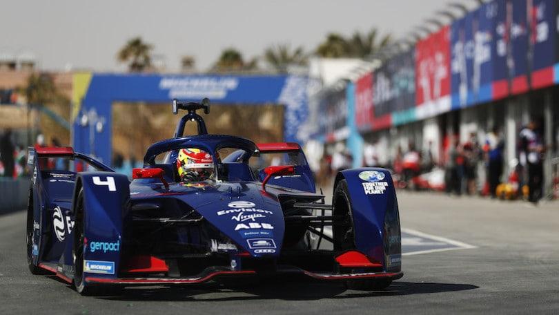 ePrix Diryah, incidente Mortara: stop a Venturi e Mercedes. Pole a Frijns