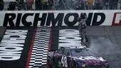 Nascar: a Richmond Alex Bowman sorprende nel finale