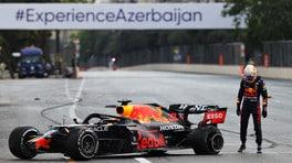 Pirelli, un detrito la causa delle forature. Gomma tagliata anche per Hamilton