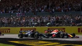 """Hamilton a un passo dal ritiro a Silverstone. Wolff: """"Il tango si balla in due, non si sono lasciati un centimetro"""""""